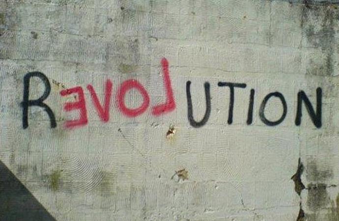 Muhafazakarlar Neden Devrimi Sevmezler?