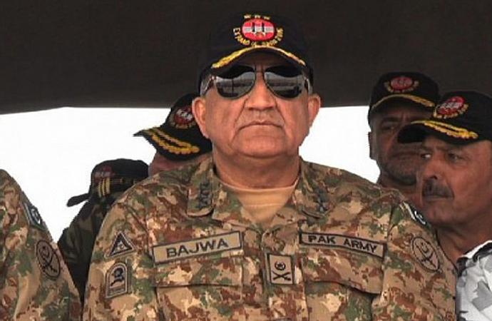 Pakistan da ABD'ye rest çekti