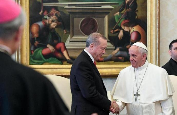 """""""Erdoğan, Papa ile görüşmek için bağışta bulundu"""" iddiasına Papalık'tan yalanlama"""