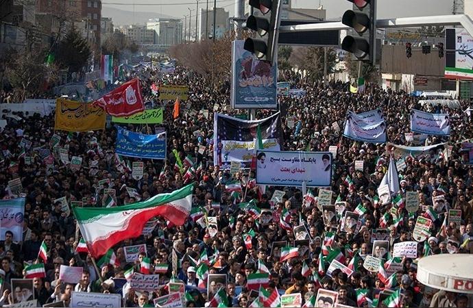 İran İslam İnkılabının 39. yılı İran'da törenlerle kutlandı