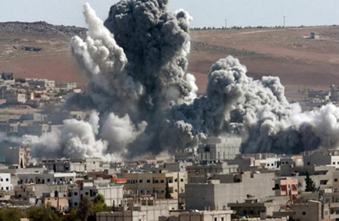 Deyrizor'da ABD'ye direnen YPG'yi ABD uçakları 'Hata' ile vurdu!