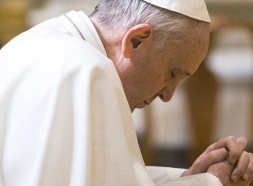 """Papa, Doğu Guta'daki zulüm için """"İnsanlık-dışı"""" dedi, dua etti"""