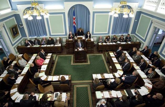 İzlanda'da dini sünnete karşı kanun teklifi