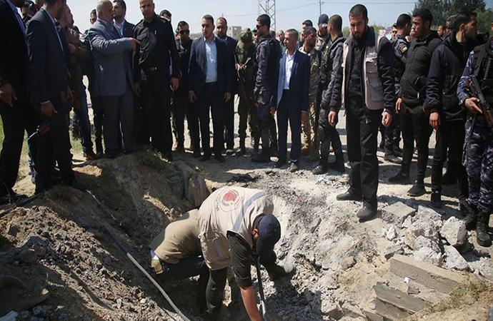 Gazze'de Filistin Başbakanının konvoyu geçtiği sırada patlama oldu