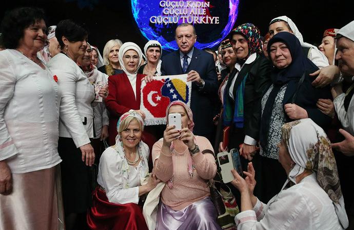 Erdoğan 8 Mart'ı tebrik etti, İslam 'güncellenmeli' dedi