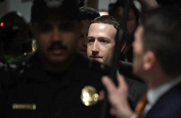 Facebook tam bir TEKEL ve bu işten KOLAY sıyrıldı!