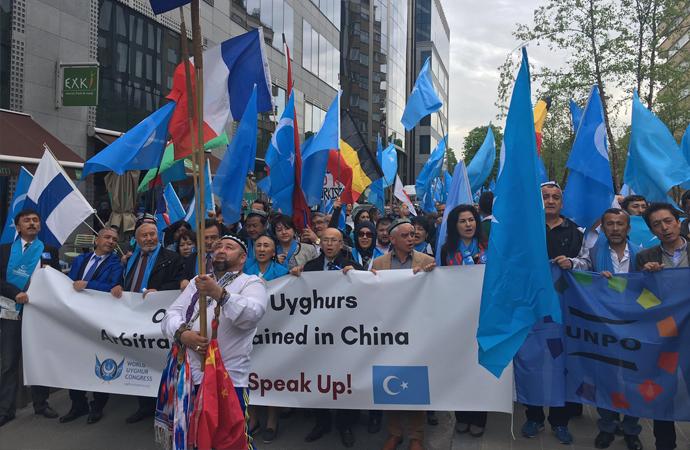 Uygur Türkleri, Çin'i Brüksel'de protesto etti
