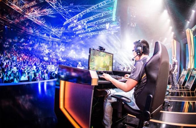 Elektronik Spor (E-Spor) masa başında oynanıyor ama 600 sponsorluğu var