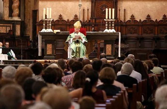 Alman Katoliklerin yarısı Müslüman bir aile bireyine karşı