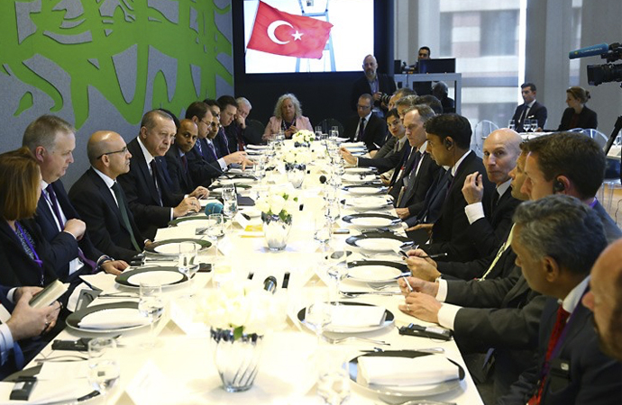 Erdoğan, İngiltere'de şirket temsilcileriyle bir araya geldi