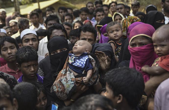 Arakanlı müslümanlar da Ramazan'ı karşıladı!