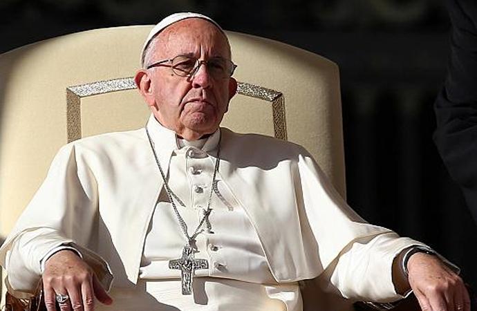 Papa, İsrail'i kınamak yerine diyalog çağrısı yaptı
