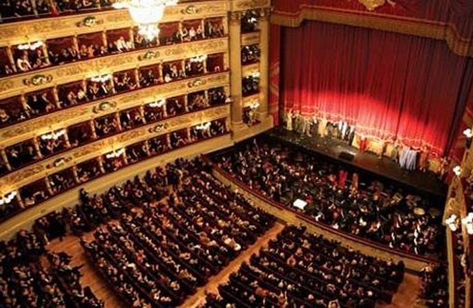 Devlet Tiyatroları ile Devlet Opera ve Balesi'nin özel yasaları lağvedildi