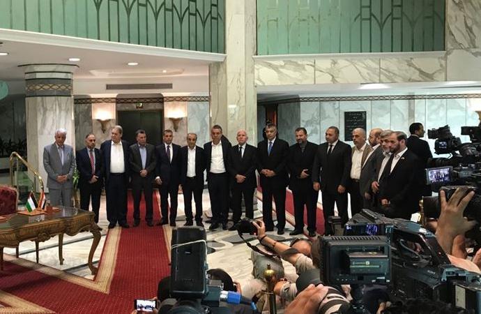 Filistinli grupların temsilcileri istişareler için Mısır'da