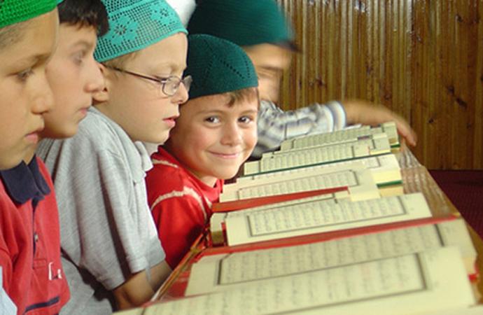 O kurslarda Kur'an'ın manası da öğretilemez mi?