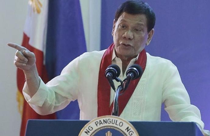 Duterte: 'ABD ordumuzu dizayn etme çabası içinde'