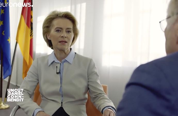 Almanya küresel güç olmaktan korkuyor mu?