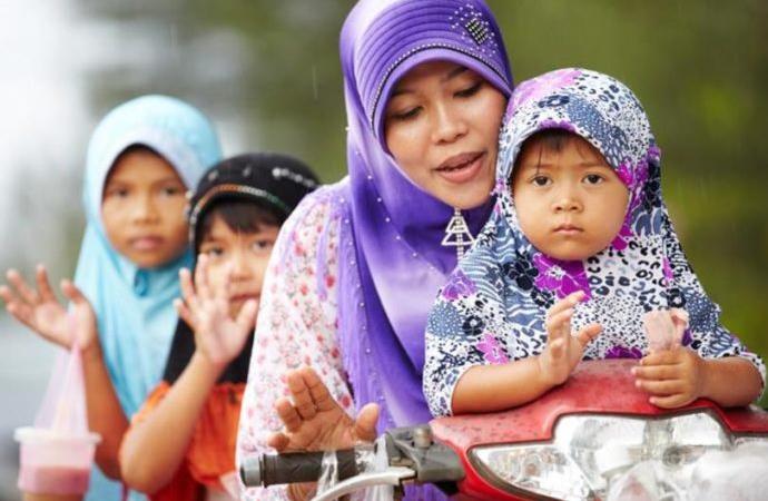 Tayland İslam Konseyi 17 yaş altı evliliği yasakladı