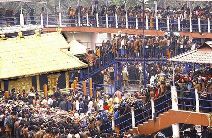 İki kadın 'vatandaşlık hakkı' gereği Hindu tapınağına zorla girdi, tapınak kapatıldı