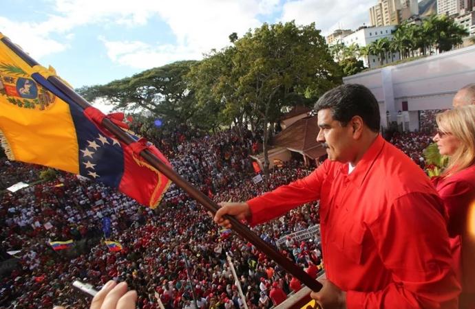 ABD, Venezuela'yı sıkıştırmaya başladı