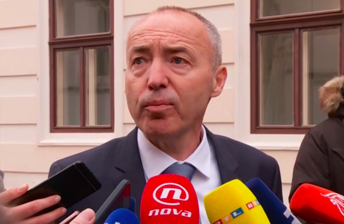 Hırvatistan: Uçak alımı iptal, işbirliğine devam
