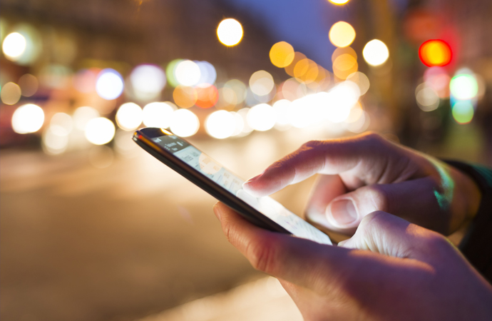 Sanal dünyanın yeni nesil insanları: Telefona bağımlı, yalnız ve sentetik