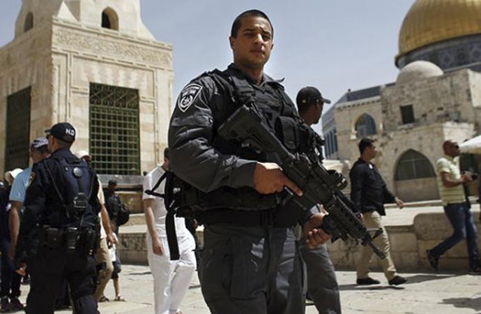 Yahudi yerleşimciler Filistinlilerin araçlarına da saldırdı
