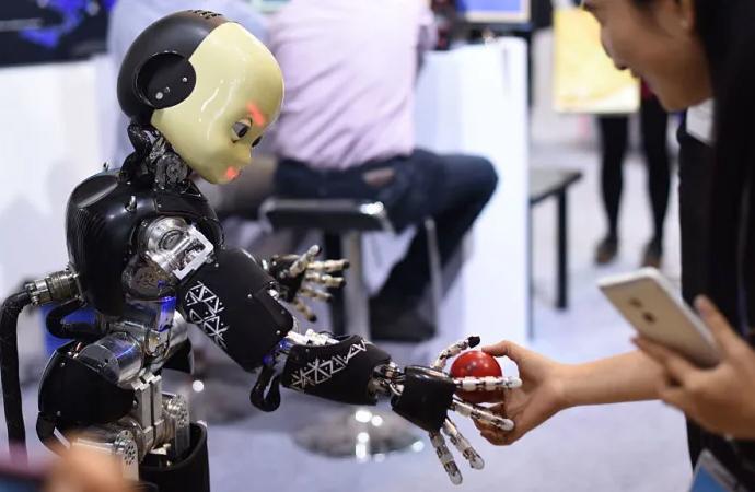 Çin ile ABD arasında yapay zekâ savaşı
