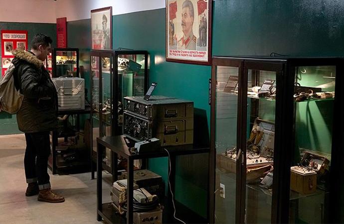 Sovyetlerin casusluk malzemeleri ABD'de açılan 'KGB Casus Müzesi'nde