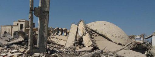 Müttefiklerden, hem halka hem camiye saldırı