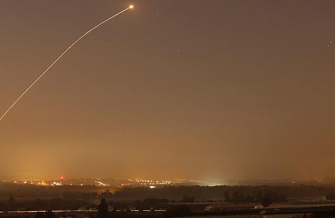 Tel Aviv'e iki füze atıldı, Hamas ve İslami Cihad 'biz atmadık' dedi