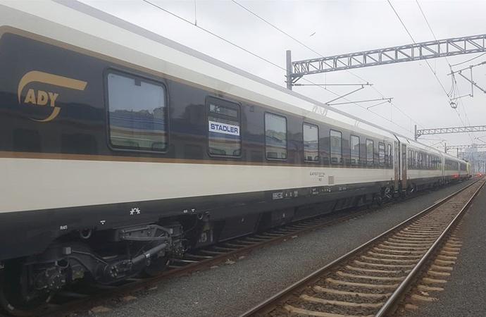 Yeni İpek Yolu üzerinde trenler yürümeye başladı