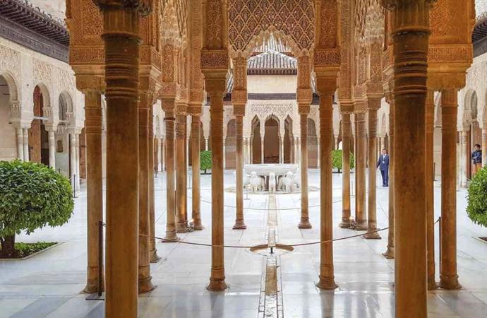 Mustafa Özel: Huzur İslam'da ama Müslümanlar Huzursuz