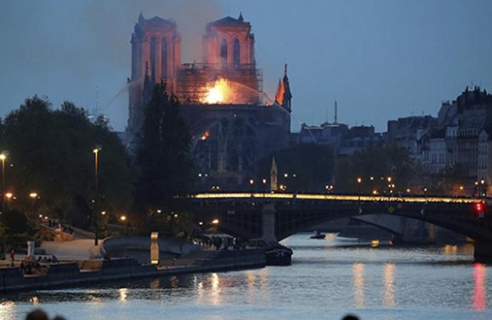 Batı dünyasını sarsan yangın