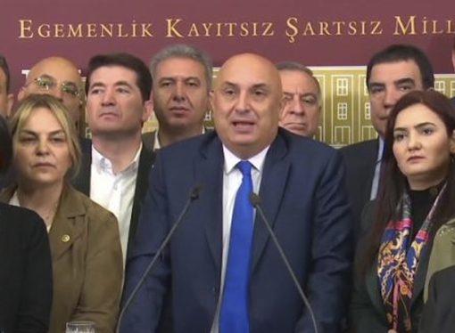 CHP, yetkilileri istifaya çağırdı