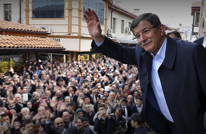 Davutoğlu: 'Kritik bir tarihi eşikte bulunuyoruz'