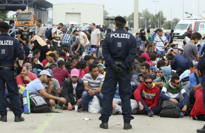 Avusturya'dan 'Mültecilere 10 emir'