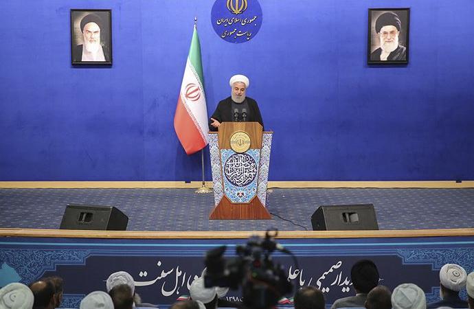 """Ruhani: """"İran devrimi tek bir mezhebe ait değildir"""""""