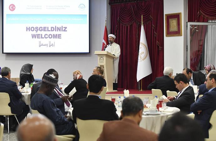 Halkı Müslüman ülke büyükelçileri Diyanet iftarında