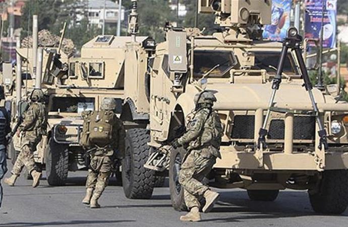 NATO konvoyuna saldırı: 4 ölü