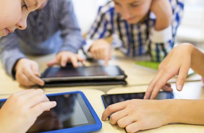 İnternette 'ahlaksızlığa' karış anne-babalara uyarı