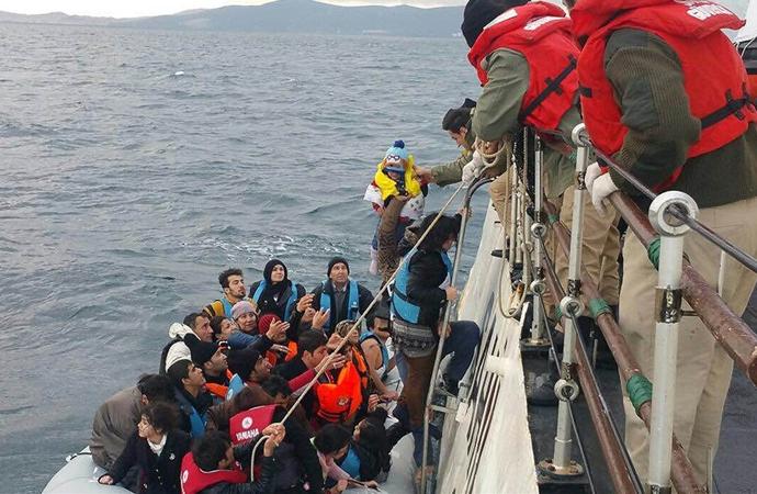 Yunanistan'a geçmek isterken yakalanan göçmen sayısı 16 bini geçti