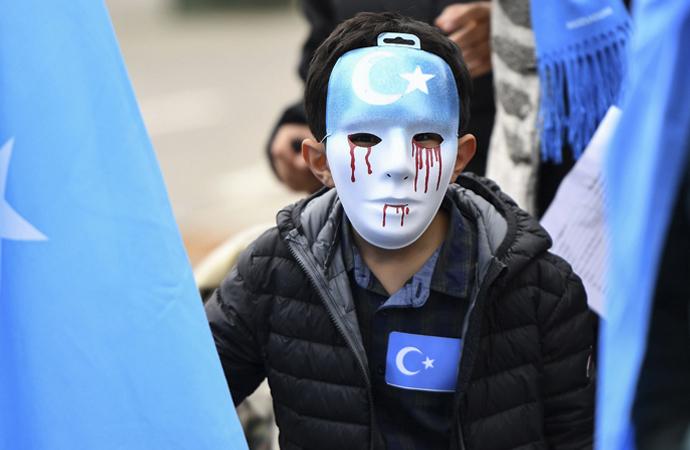 Çin, Doğu Türkistan'ın tarihini yeniden yazıyor!