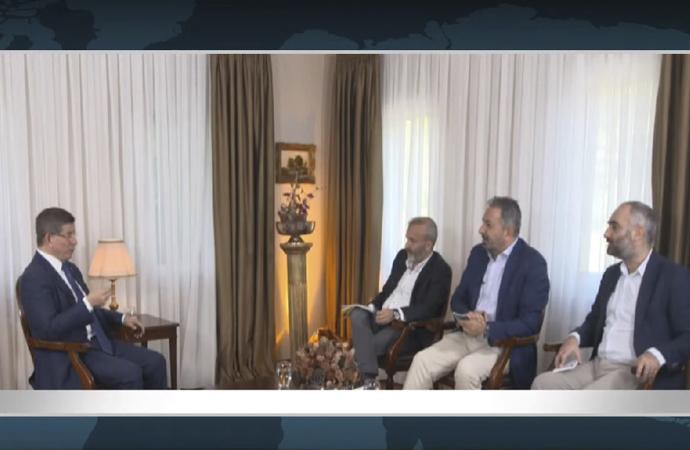 """""""Davutoğlu röportajı"""" program kapattırdı"""