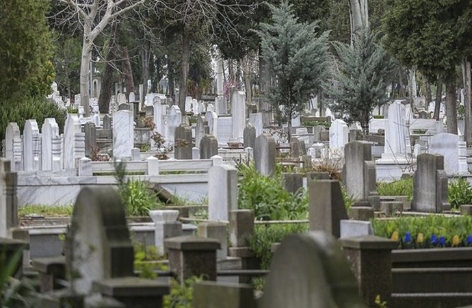 İstanbul'da mezar fiyatları 30 bine kadar çıkıyor