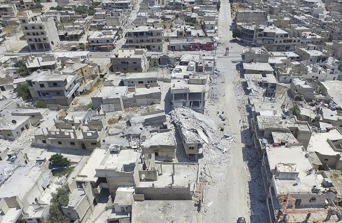 Rejim güçleri İdlib'i yerle bir ediyor