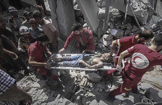 Hastanelerin bombalandığı İdlib'de salgın uyarısı