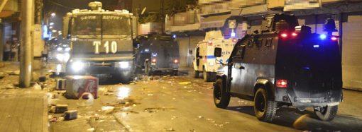 Adana'da Suriyelilere yönelik linç girişimi devam ediyor