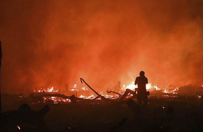 Brezilya'da 10 günde 8 bin yangın çıktı