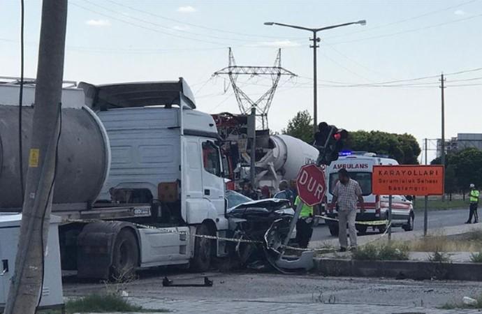 Hatay Emniyet Müdürünün aracı tankerle çarpıştı